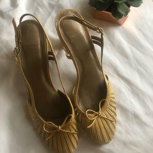 Stuart Weitzman tan shoes